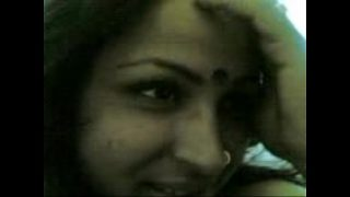 Mature indian aunty sucking cock and gets a nice facial