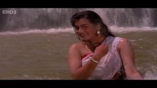 Padmini Kolhapure – hot Video
