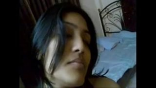 Real Indian Hot Young Couple in Bedroom – Wowmoyback